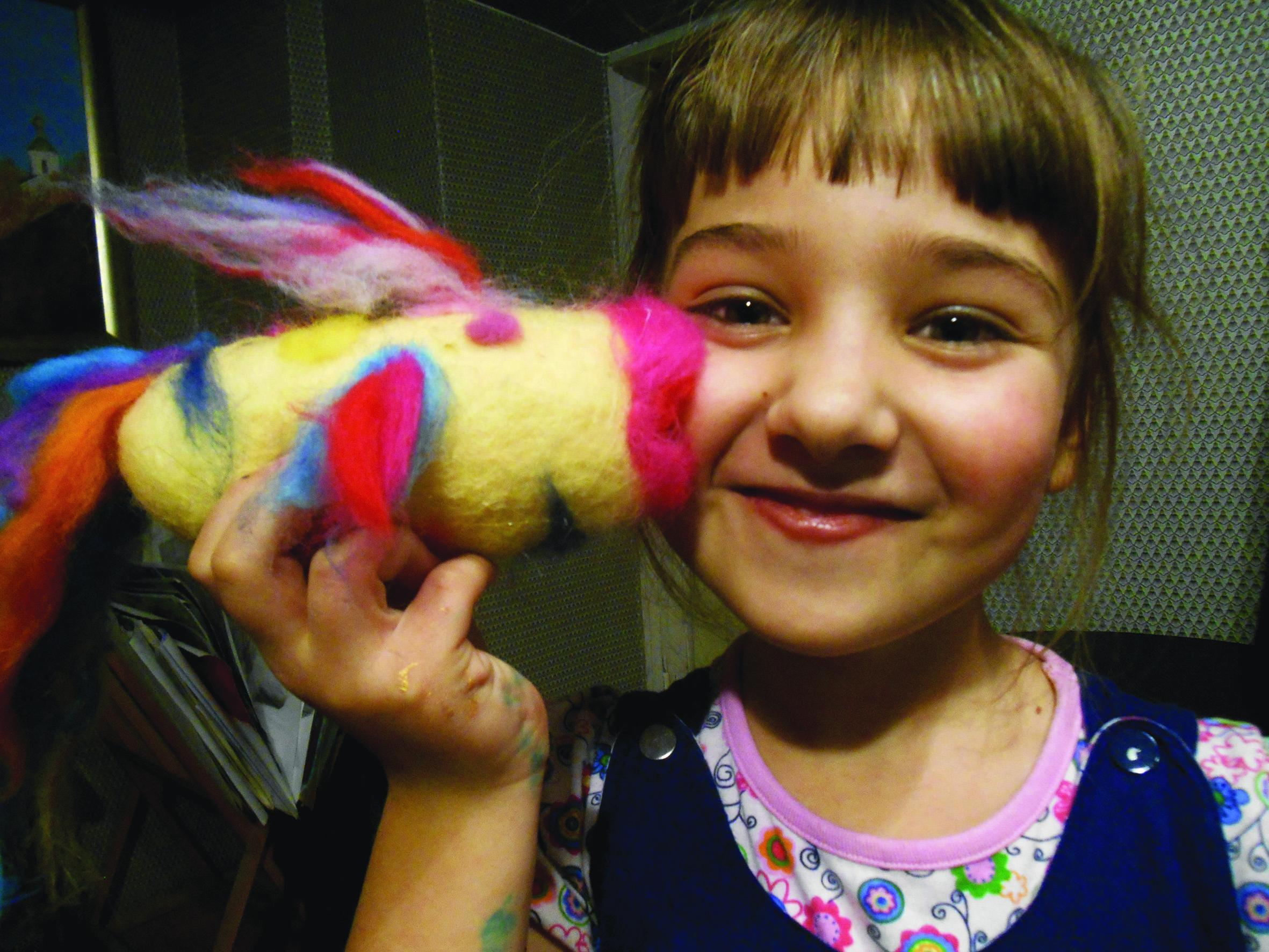 Юлия Жукова со своей работой